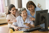 Hispanic Women Learning Online